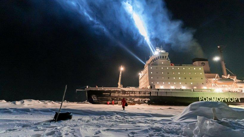 Gefangen im Polareis: Noch auf der Kapitan Dranitzyn